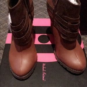 New in box ankle boots